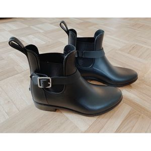 Black Chelsea Boots NWOT